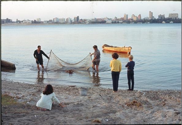 prawning-in-river-1970s