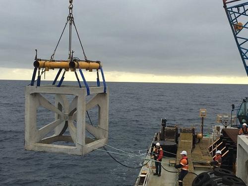 Mandurah Reef Module being lowered into sea