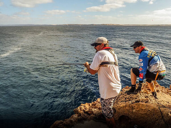 Lie jacket use while rock fishing